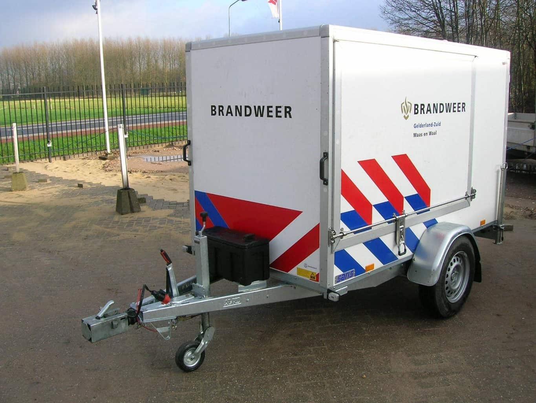 MAATWERK AANPASSING SARIS GESLOTEN AANHANGWAGEN HULPDIENSTEN / BRANDWEER